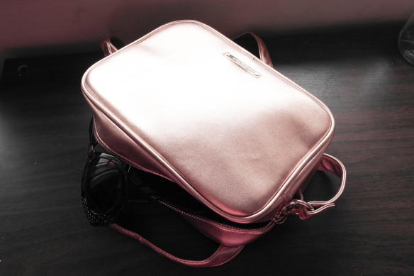 rose gold, cross body bag, springfield, trendy bag, rose gold purse, style and expect, fashion blogger