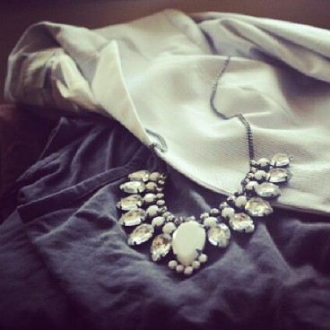 details, jewelry, outfit post, hm statement necklace, rhinestone necklace, casual chic,