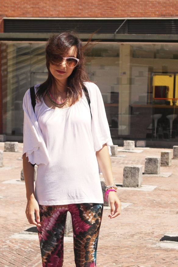 feathery leggings, look du jour, outfit post, fashion blogger, lisbon street style, style and expect, emerald green, pattern pants, pink sunglasses hm, black backpack