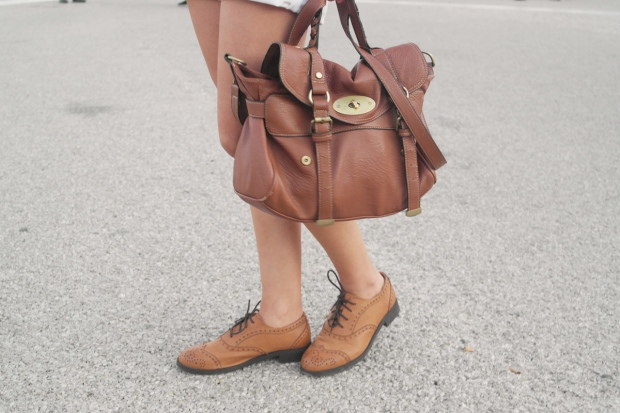 mulberry bag, brown leather, leather oxfords, oxford shoes, blanco shoes,