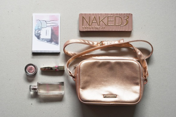 urban decay, make up, maybelline, 24 hour color tattoo rose gold, naked 3 palette, swatches, make up brush, my little notebook, chanel notebook